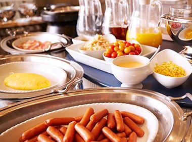 朝食のご案内(和洋食のブッフェスタイル)